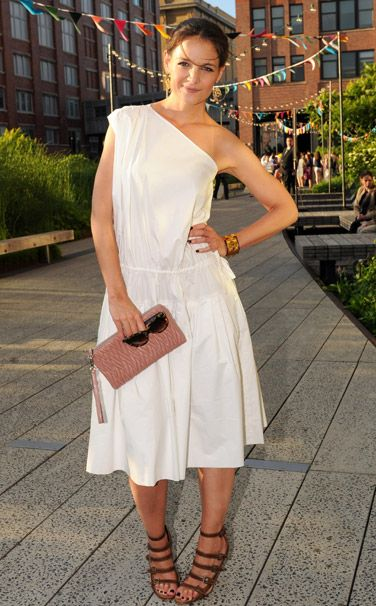 On Mute - Week of June 17, 2013:  WHO: Katie Holmes WHAT: Chloé dress, Coach clutch, Azzedine Alaïa shoes WHERE: Summer Party on the High Line presented by Coach, New York City WHEN: June 11, 2013