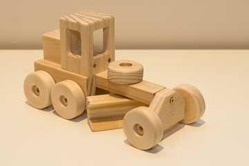 Google Image Result for http://www.woodworkingdownunder.com/image-files/toy_car_plans008.jpg