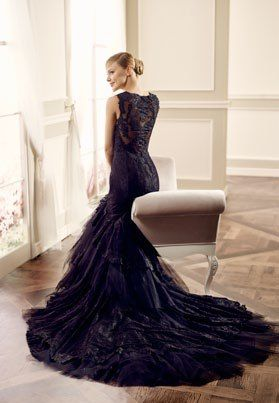 Modeca Swan back. Swan design from Modeca LePapillion collection. Statement black wedding dress. Lace back figure hugging mermaid gown with dramatic train.