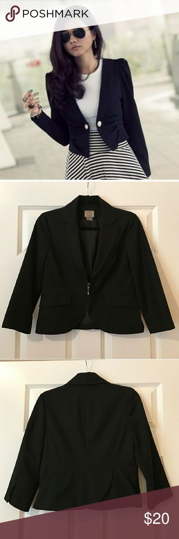 F21 Forever 21 Crop Blazer 3/4 Black Career M Zip Beautiful cropped blazer by Forever 21, never worn. Perfect for that power outfit! Zipper detail, 3/4 sleeve. Please see last 4 pictures for actual item. First picture is for styling and suggestion. Forever 21 Jackets & Coats Blazers