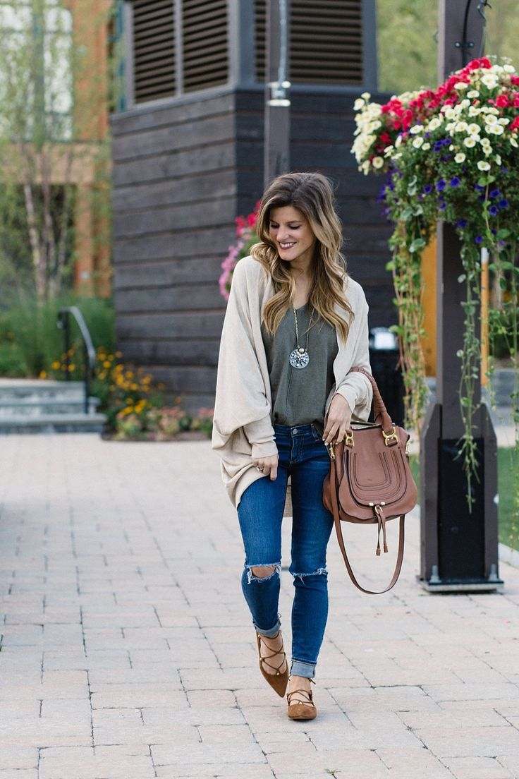 casual fall outfit idea, olive sweater and jeans, distressed jeans rolled up with lace up flats, jeans and flats outfit, pinterest fashion, oversized sweater and skinny jeans outfit, olive green sweater, cognac suede lace up flats