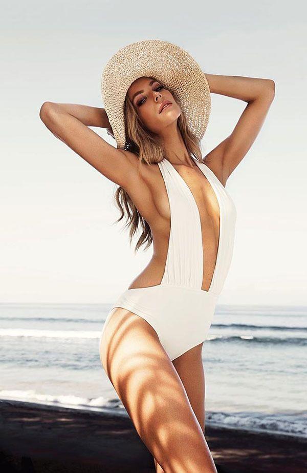 Jennifer Hawkins sports tanning streaks in new J-bronze campaign