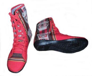 Fashion #Stiefelette aus #Peru. Die #Schuhe sind handgefertigt aus peruanischem #Mantastoff.