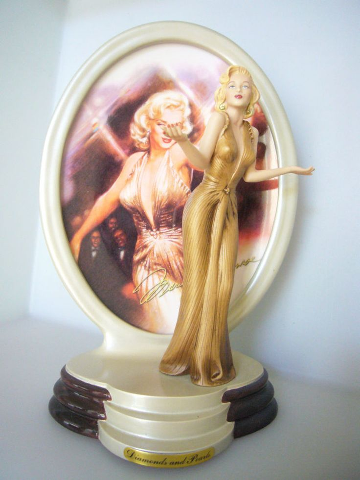 Marilyn Monroe Diamonds and Pearls Porcelain Figurine All That Glitters