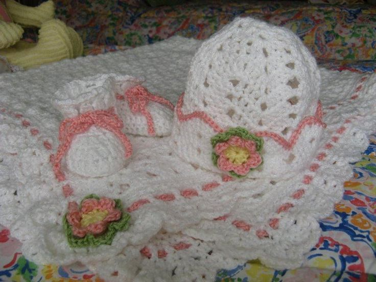 Bernat Softee Baby Knitting Patterns : blanket pattern - www.Bernat.com. Bernat Softee Baby-Blanket and Booties. I d...