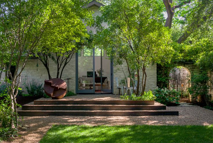 BRIDLE PATH RESIDENCE Landscape Design