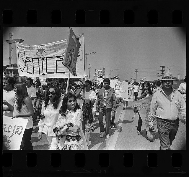 chicano history The 1960s was a turbulent decade in american history, fraught with conflicts over isssues from civil rights to the war in vietnamthe mexican american civil rights movement, one of the least studied social movements of the 1960s, encompassed a broad cross section of issues—from restoration of land grants, to farm workers rights, to enhanced education, to voting and political rights.
