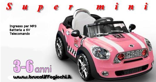 Bellissima Mini con chiave e suoni di avviamento, ingresso mp3,  e misuratore della batteria ad un prezzo convenientissimo!  Completamente operativa in modo che il vostro bambino possa guidare in piena autonomia, ad una velocità fino a 3 km / h, si può aiutare il bambino grazie  al telecomando parentale! Possiede suoni sul volante, marcia in avanti e retromarcia, ingresso mp3 e luci funzionanti. http://www.brucaliffogiochi.it/giocattoli-in-offerta/shop-product-details/139/flypage-tpl/1187