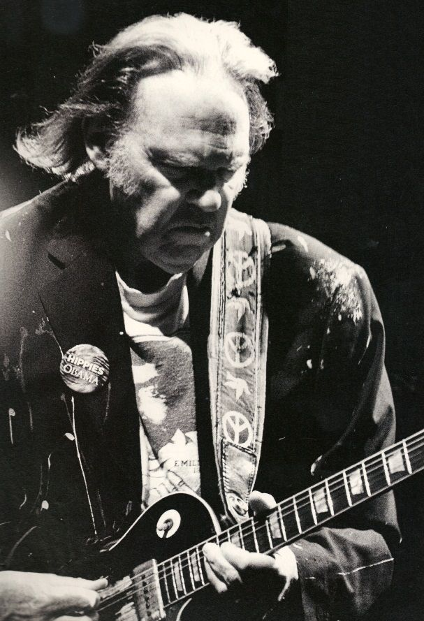 I love Neil Young, he's managed to maintain his relevance for a lot longer than his peers. I'm not sure about his politics these days, Obama??? I thought Neil was smarter than that.