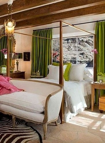 Suzanne Somers Palm Springs bedroom.