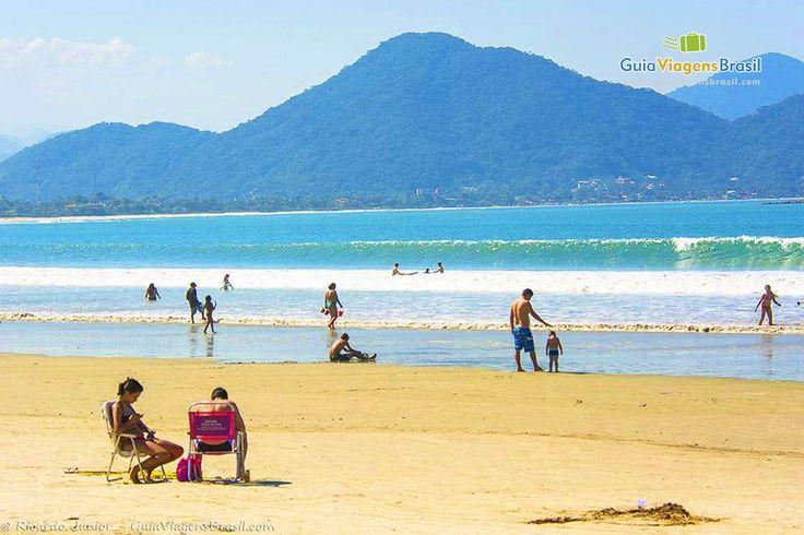 A Praia de Maranduba, em Ubatuba, é ideal para toda família, com ótima infraestrutura, larga faixa de areia e águas calmas.  Veja mais >> http://www.guiaviagensbrasil.com/blog/8-motivos-porque-voce-deveria-ir-para-o-litoral-norte-de-sp/