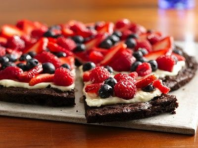 brownie fruit pizzaDesserts Recipe, Fruit Pizza, Fun Recipe, Berries Desserts, Dessert Pizza, Cream Cheese, 4Th Of July, Gluten Free, Desserts Pizza