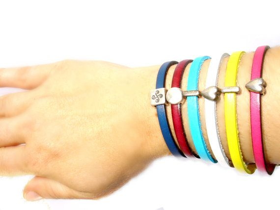 Beautiful Solitaire Bracelet  // choose Color closure by ScrapCati, €9.00