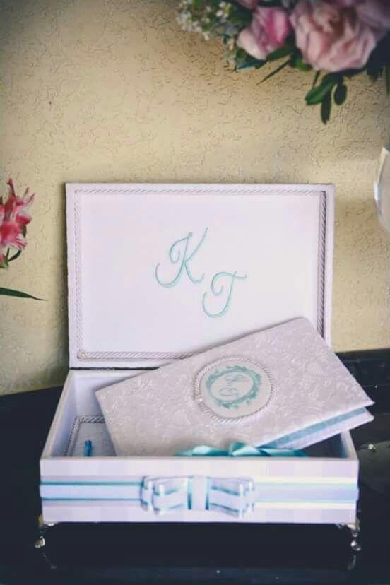 Caixa da Noiva e Caderno Recordações.