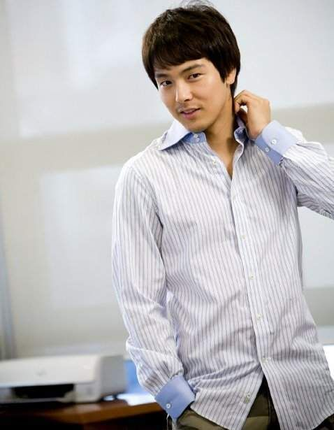 Park Yong-ha (故 박용하) - Picture @ HanCinema :: The Korean Movie and Drama Database