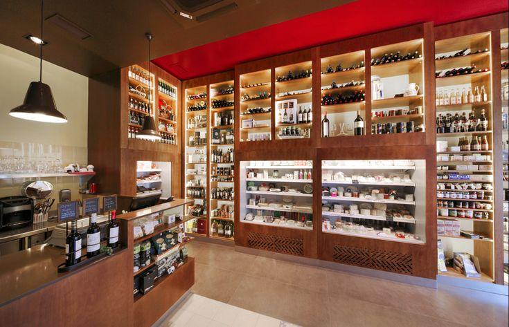 Mostaza Design | Q'Deleite | Madrid | Delicatessen Bar & Shop | Interior Design  | The cheese as a star | #retaildesign #mostazadesign #wine #chesse #shop #madrid #interiordesign #interiors #retail #delicatessen