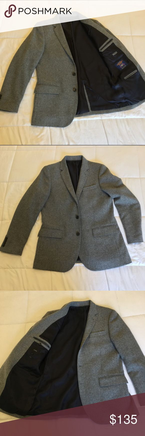 J Crew Ludlow Yorkshire Tweed Blazer Sz 40R SOLD This jacket is in great condition! J Crew Ludlow Tweed Blazer by Abraham Moon. Color: Gray , Size: 40R  Very stylish. Perfect for Fall & Winter, or to give your look a classy edge. J. Crew Suits & Blazers Sport Coats & Blazers