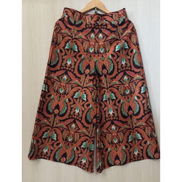 Temukan dan dapatkan Kulot batik hanya Rp. 98.000 di Shopee sekarang juga! https://shopee.co.id/imanggoethnic/137976408 #ShopeeID