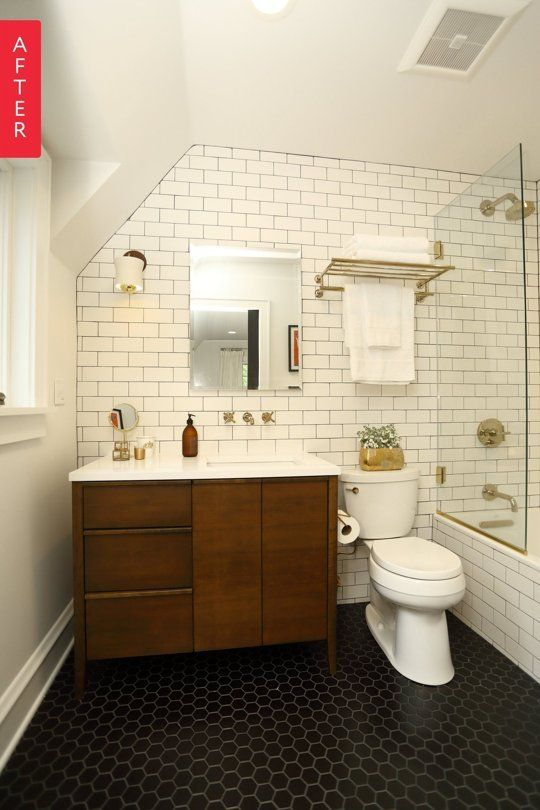 Before & After: A Midwestern Bathroom Opens Up   Apartment Therapy