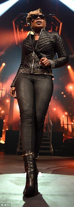 Mary J. Blige in crop top rocks all leather look at iTunes Festival | Daily Mail Online