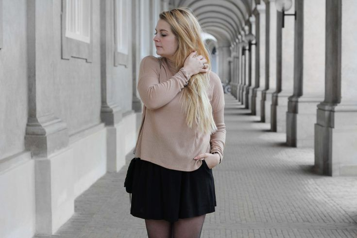 CAMEL KNIT AND BLACK SKIRT - MOOLDASH