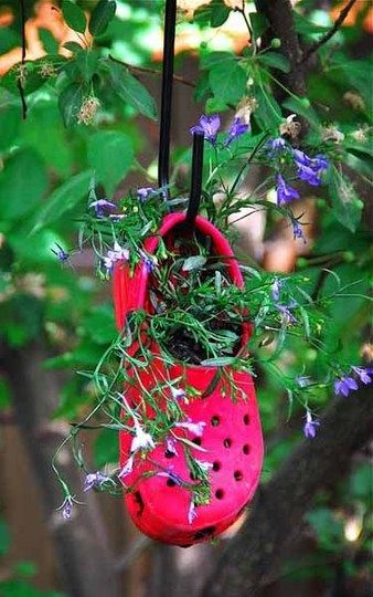 great idea for a child's hanging garden: Gardens Ideas, Croc Planters, Flower Planters, Old Crock, Cute Ideas, Gardens Planters, Outdoor Gardens, Hanging Planters, Hanging Gardens