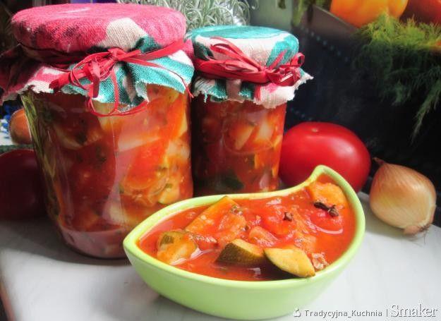Cukinia w pomidorach na zimę