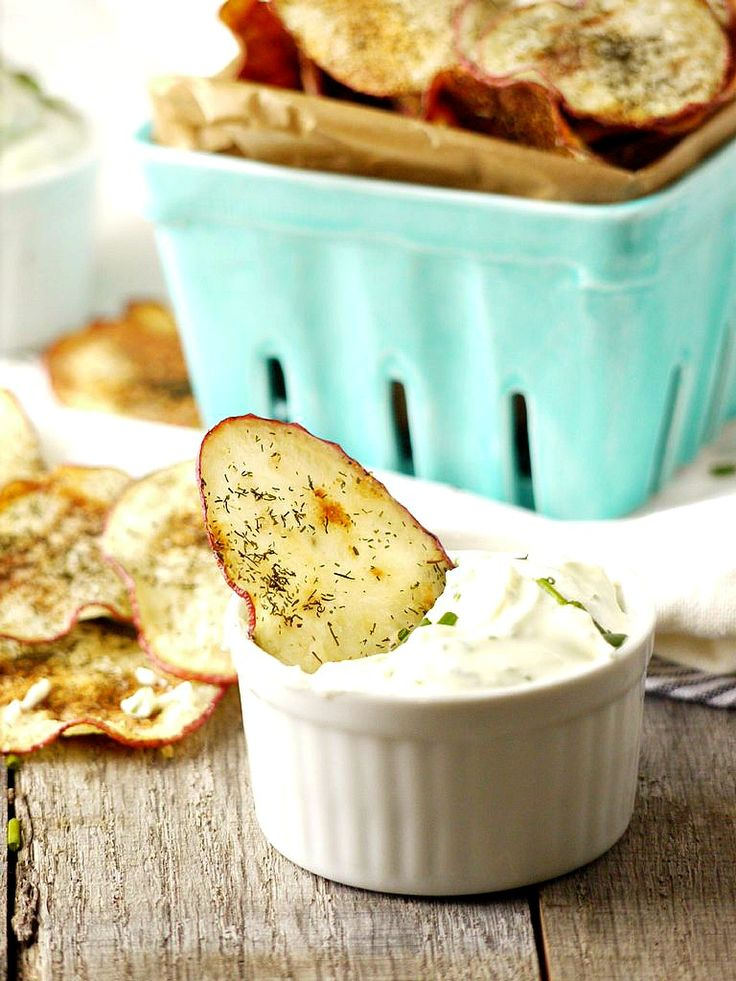 baked dill and onion potato chips with goat cheese dipping sauce