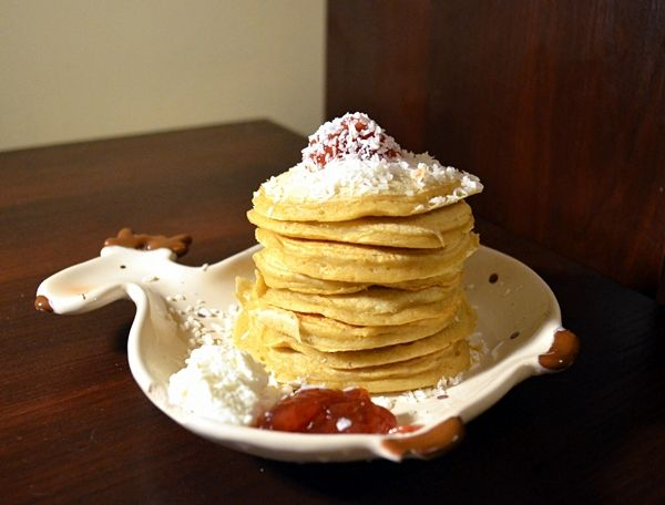 Relish it: Kokosowe pancakes i sposób na równe placki