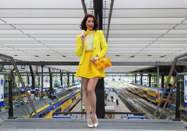 Designer holandesa cria bolsas, colares e gravatas inspiradas em deliciosas guloseimas - Follow the Colours