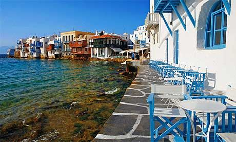 and there is just something about the smell and sound of the sunkissed sea side on the Greek islands