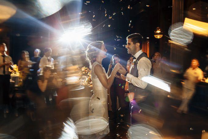 Милееейший отчёт невесты и подробный рассказ о своей свадьбы, да ещё и с классными картинками московского фотографа Алексея Малышева. Это как фильм, только всё было по-настоящему. Очень интересно, окунайтесь!