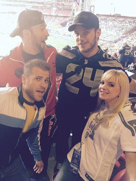 Stars Share Their Super Bowl Spirit in Fun Social Snaps: Anna Faris got cute with Chris Pratt and Chris Evans.