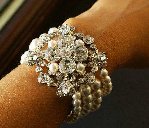 bracelet: Mi Style, Vintage Style Weddings, Wedding Jewelry, Bracelets Would Liter, Bracelets Vintage, Accessories, Bridal Inspiration, Pearls Bracelets, Bridal Bracelets