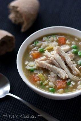 自家製ストック☆鶏とポロネギの大麦スープ | レシピブログ  - Hearty chicken, pearl barley and leek soup with homemade chicken stock (Recipe in Japanese) -