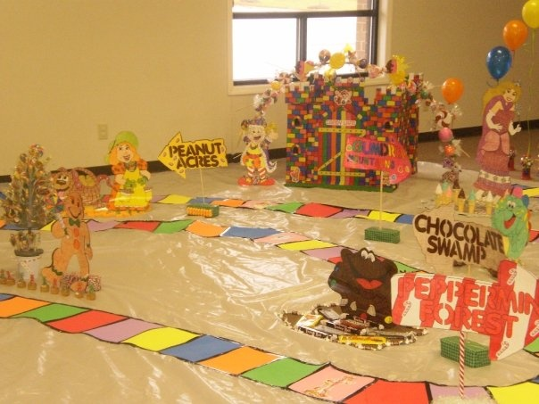 lifesize candy land party.