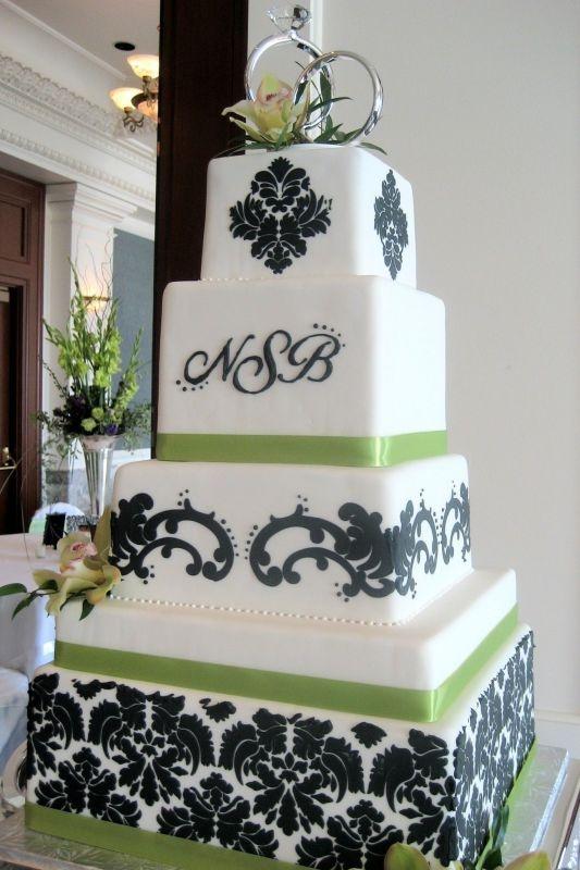 Beautiful!Stenciled green/black wedding cake