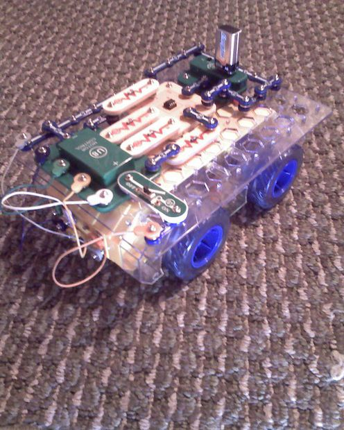 Picture of EXTREME Snap Circuits Programmable Robot!