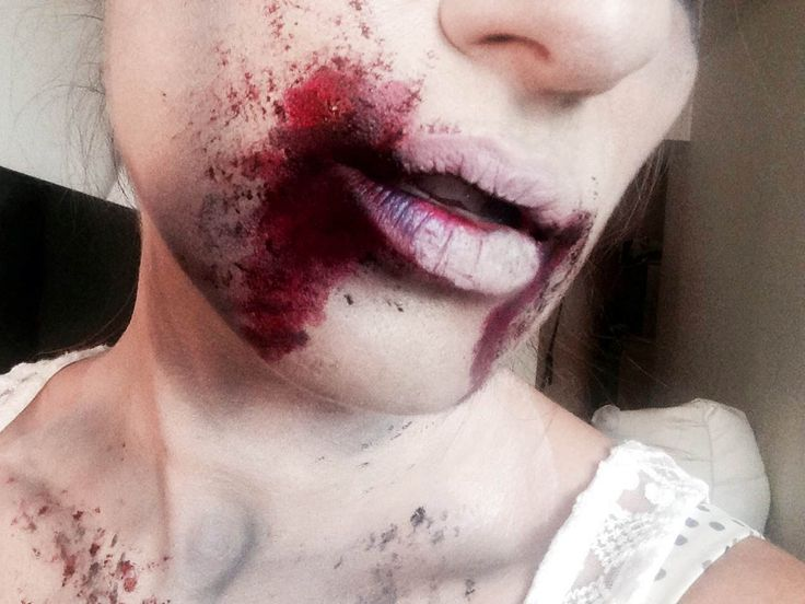 Zombie makeup - Halloween - Makeup tutorial  ** The Magic Brush **