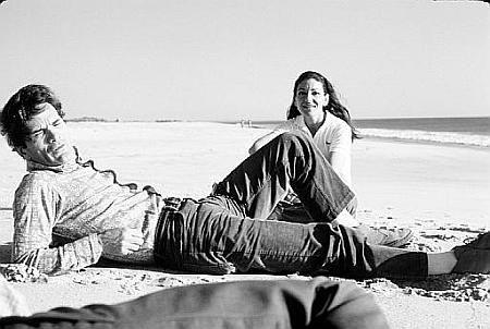 Pasolini vai à praia com a cantora Maria Callas