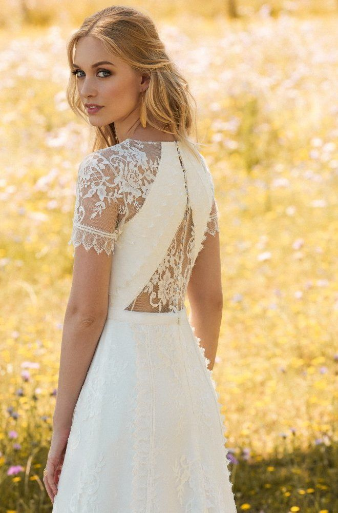 Rembo styling — 2017 Collection — Jazz: Beautiful lace dress with v-neckline and small lace cap sleeves.