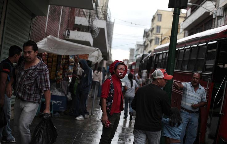 Per le strade di Città del Guatemala. (Jorge Dan Lopez, Reuters/Contrasto)