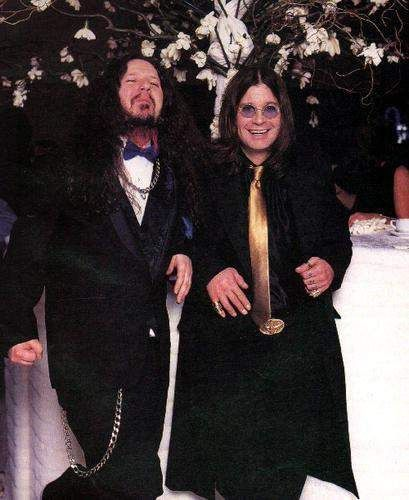 Dimebag darrell and Ozzy Osbourne looking fancy