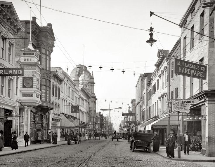 Charleston, South Carolina, circa 1910. King Street looking north. Detroit Publishing Co. glass negative, Library of Congress.