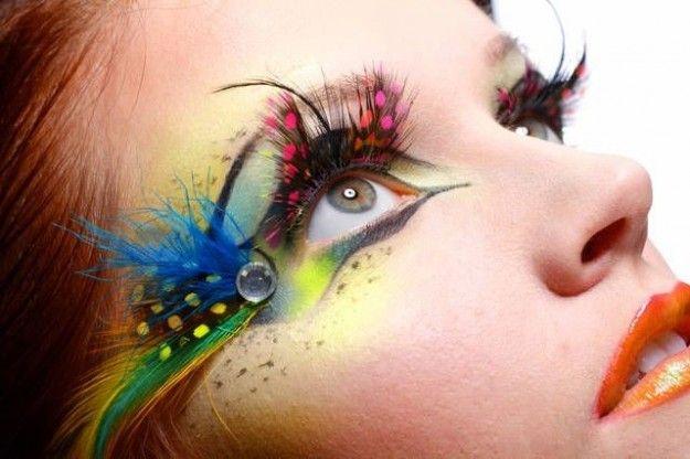 Make up occhi con ciglia finte effetto pavone