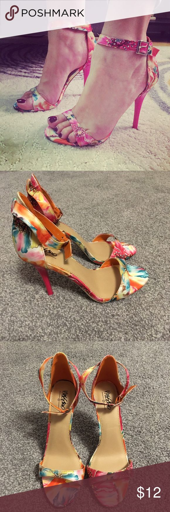 "NWOT Mossimo floral strappy heeled sandals sz 6.5 Cute floral sandals with a 4"" hot pink patent heel. Size 6.5 but a little roomy, I'm a true size 7 and they fit well but with a sole cushion would be better for a 6.5. Only worn for the picture.. Mossimo Supply Co. Shoes Sandals"