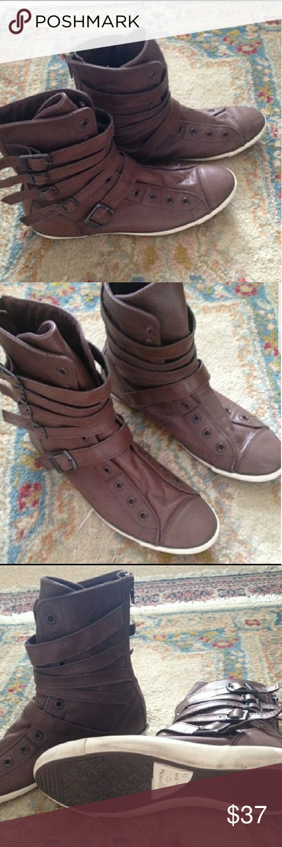 Authentic leather high top converse Beautiful and comfortable brown high top leather converse Converse Shoes