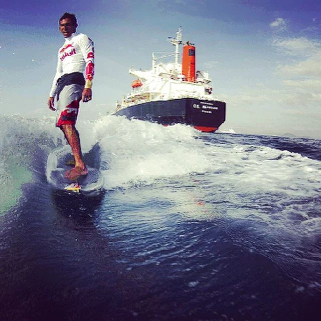 Photo: The record for the longest surf ride is 3 hours, 55 minutes and 2 seconds, set by Panamanian surfer Gary Saavedra in 2011, riding an artificial wave created by power boat in the Panama Canal, Lake Gatún. Saavedra, who traversed through choppy water and was rocked constantly by the wakes of giant freighters, spanned a distance of 41.3 miles - setting the new world record for the longest time and distance surfed on open water. #surfing