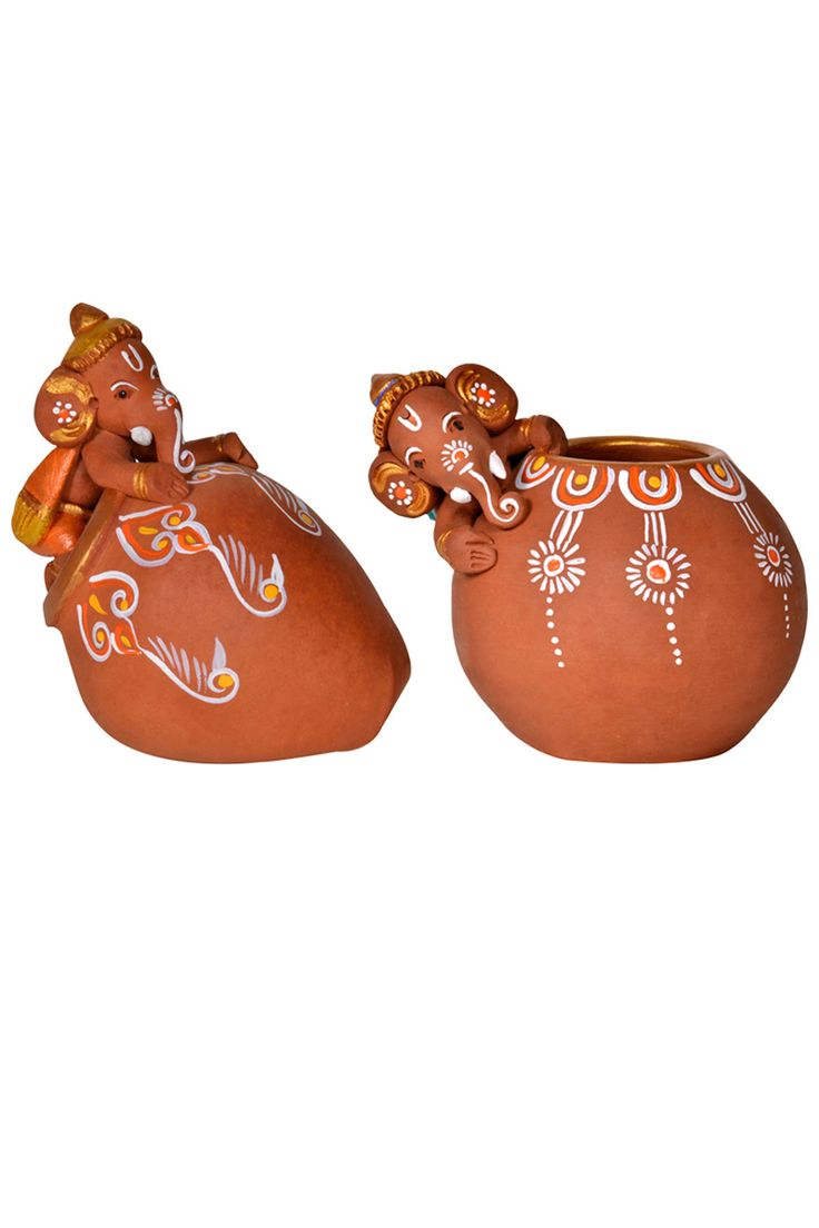 Accentuate your #home or #office desk with this pair of #terracotta #brown hand painted baby Ganesha idols.