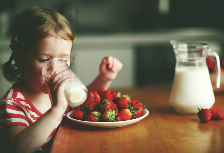 Ingat, Ini 6 Fakta yang Tidak Boleh Diabaikan Saat Minum Susu
